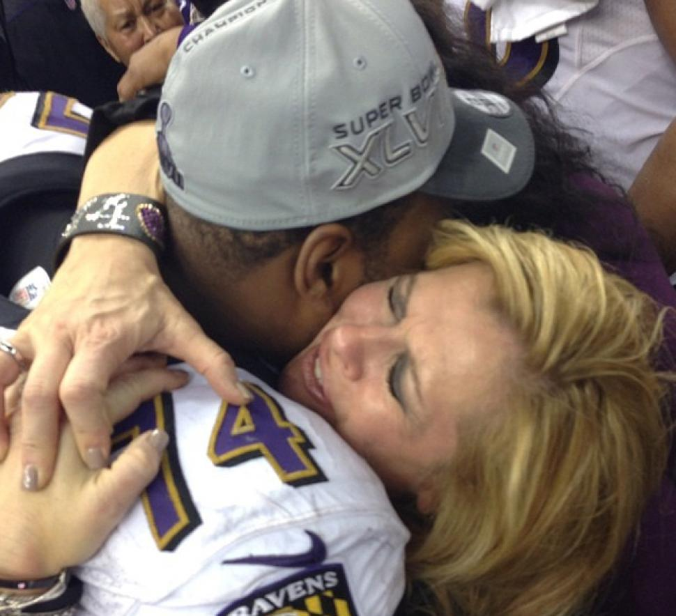 """Michael Oher Celebrates Panthers Win with """"Blindside"""" Family—& His ..."""